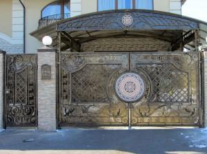 Кованые ворота в Киеве, ворота кованые Севастополь, кованые ворота с поликарбонатом, ворота с мозаикой