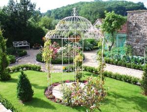 Беседки, садовая мебель