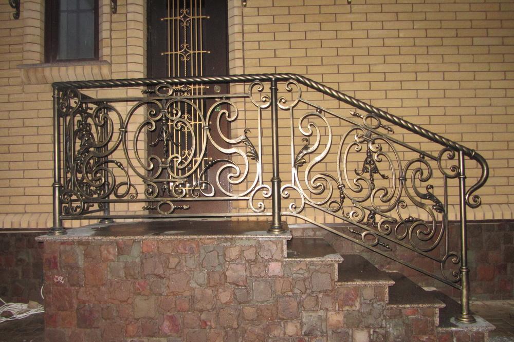 двери кованые входные группы